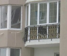 Окна французские на балкон со шпросами