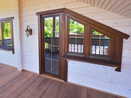 Деревянный стеклопакет в доме
