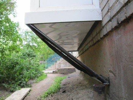 Строительство балкона на консолях первый этаж