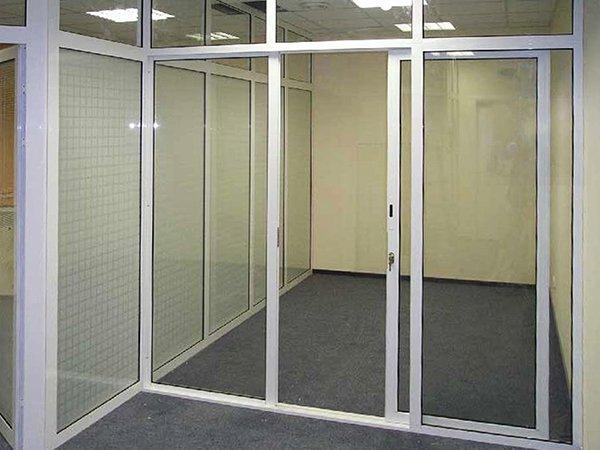 Раздвижные алюминиевые двери эконом