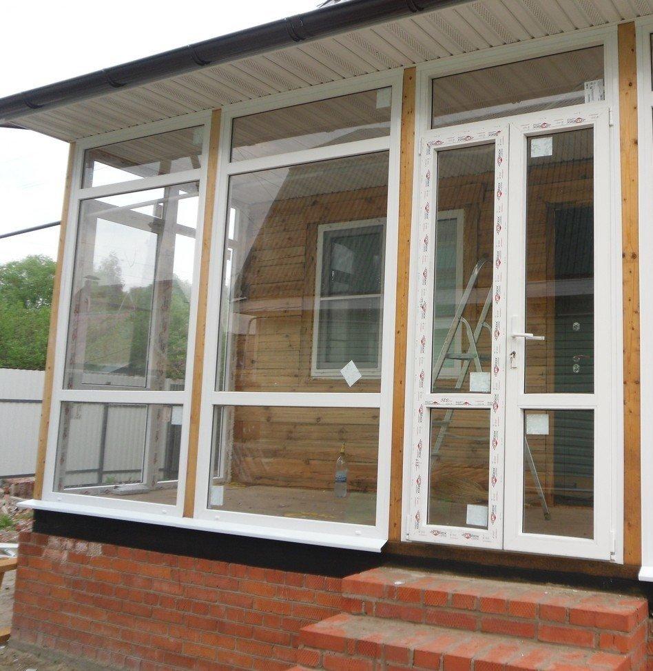окна пластиковые на веранде дачи фото плавно перетекающее