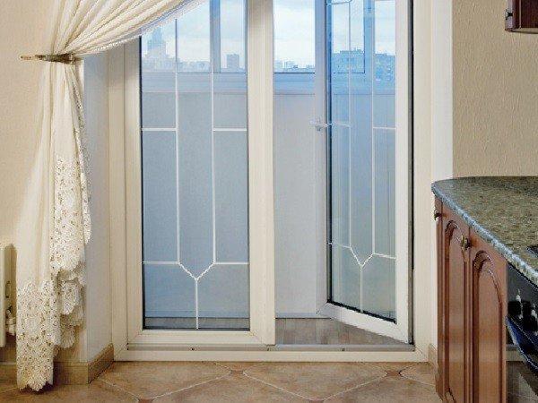 ПВХ-окно с французским переплётом