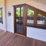 Деревянные окна с шпросами