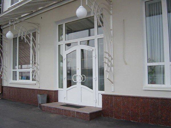 уличные двери пвх
