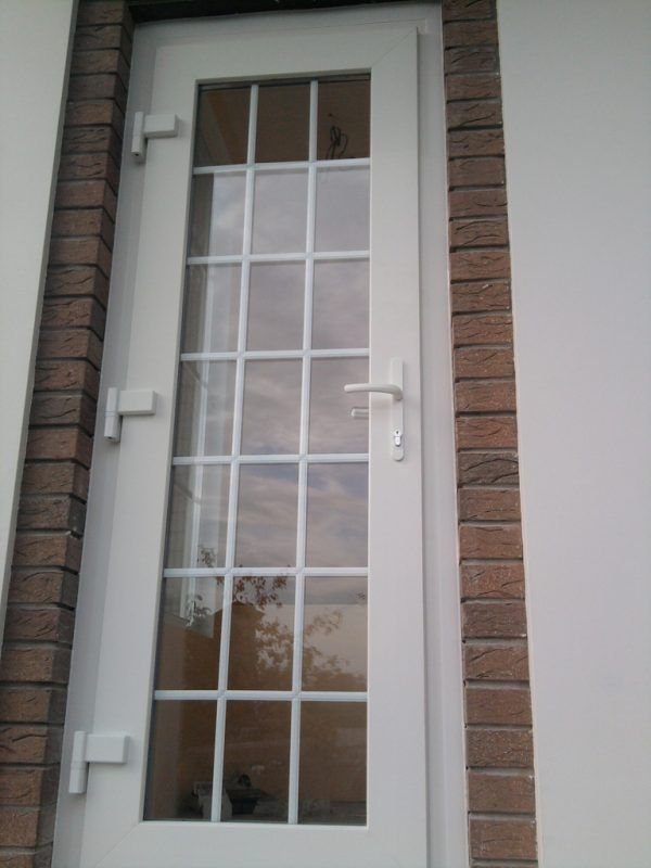 пвх двери в дом