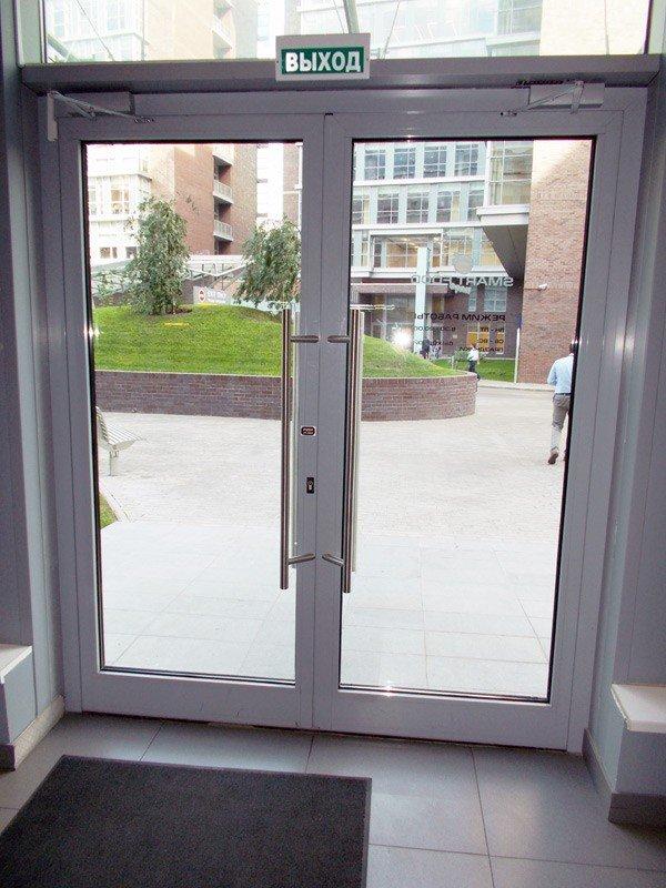 Цена на входные двери со стеклом стандарт