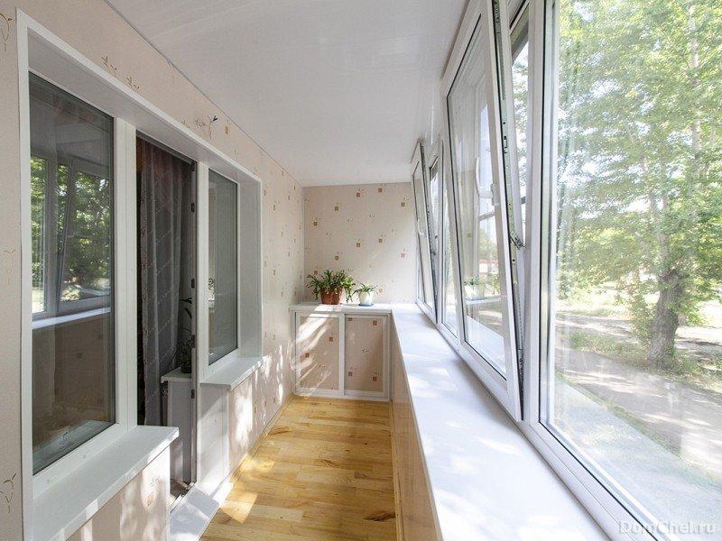 Остекление балкона дома