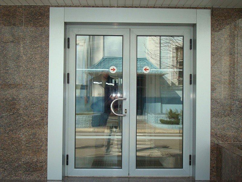 двери входные из алюминиевого профиля под ключ-стандарт