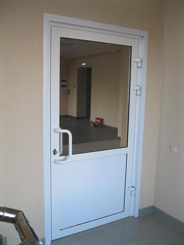 Алюминиевые двери в Москве эконом
