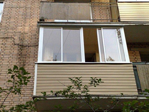 отделка балкона снаружи вагонкой