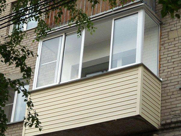 отделка балкона снаружи сайдинг