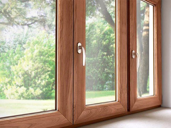 остекление деревянными окнами от РусРоллс